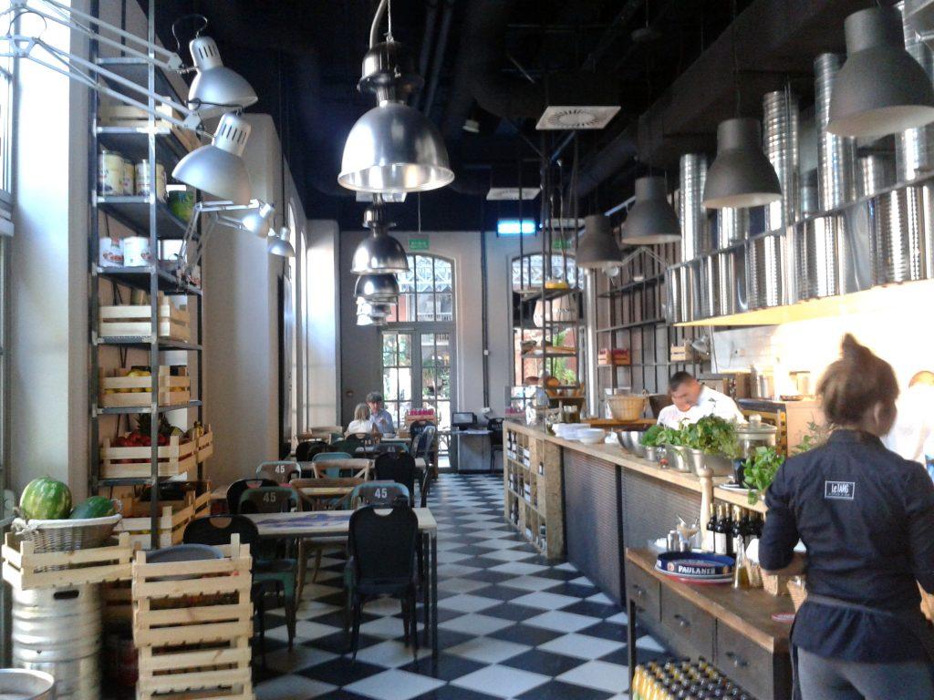 Aranżacje wnętrza – restauracja Le Targ w Starym Browarze